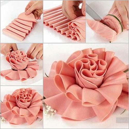 kak-sdelat-rozu-iz-kolbasy-cvety-kolbasnye-2