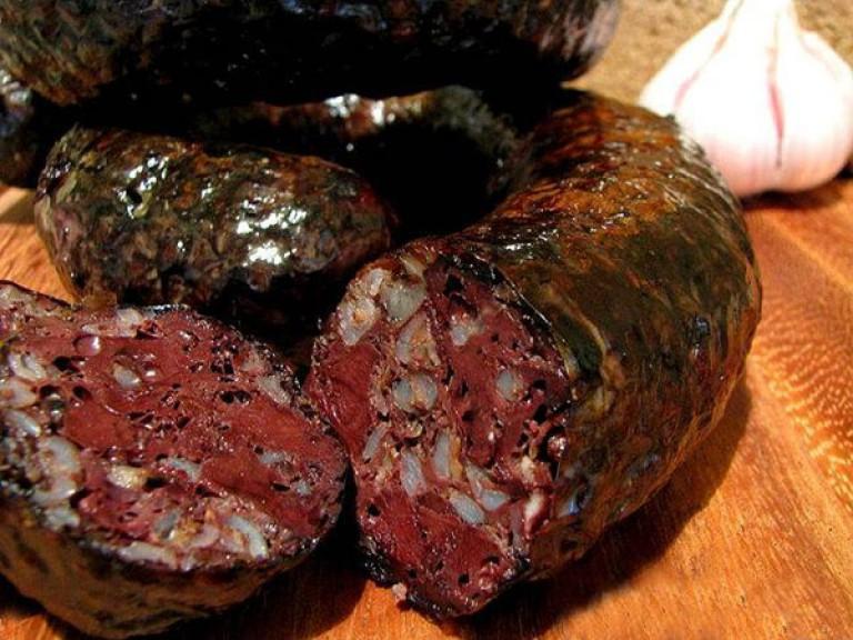Делать кровяную колбасу домашних условиях