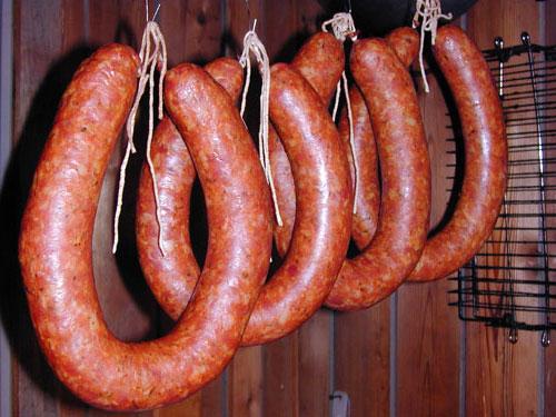 Копченая колбаса из трех видов свинины