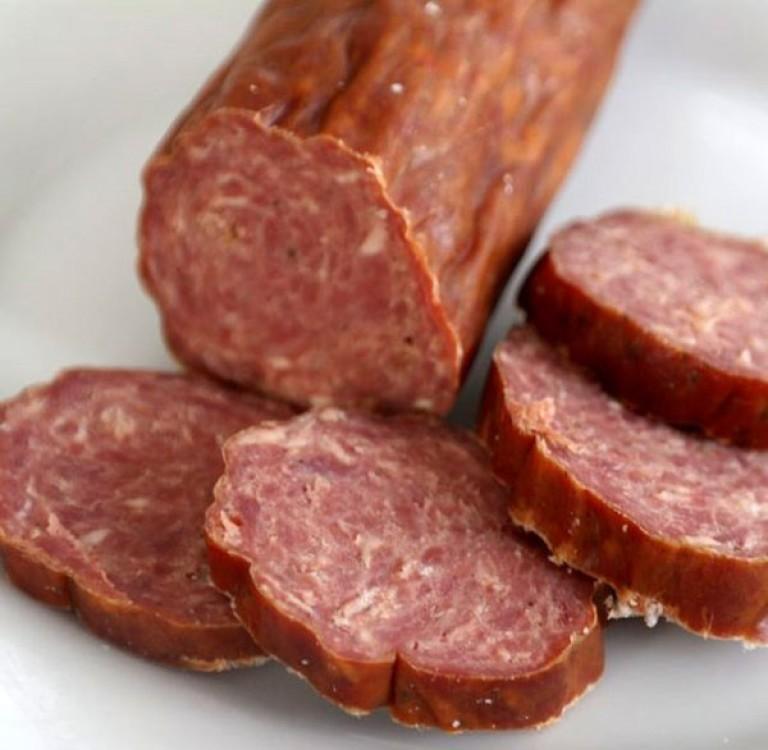 Как сделать колбасу из говядины в домашних 983