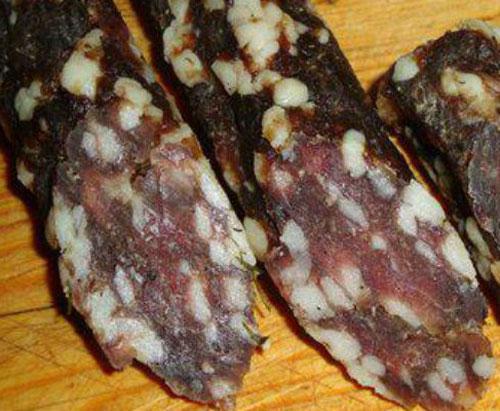Классическая сыровяленая колбаса