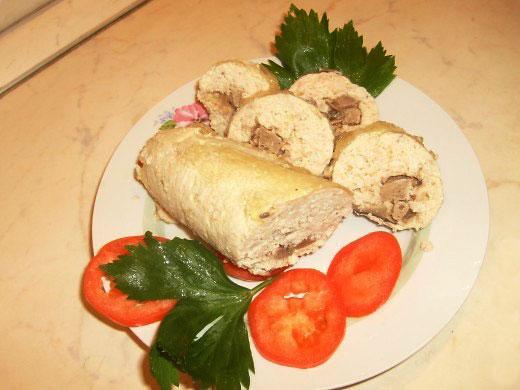 kolbasa-iz-kuricy-s-pechenyu-i-gribami-2